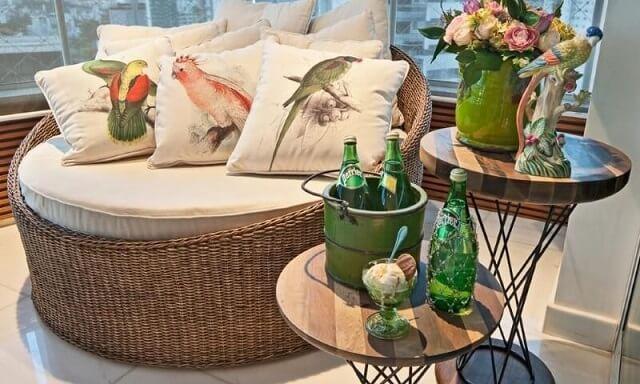 Modelos de poltronas concha com almofadas Projeto de Eduarda Correa