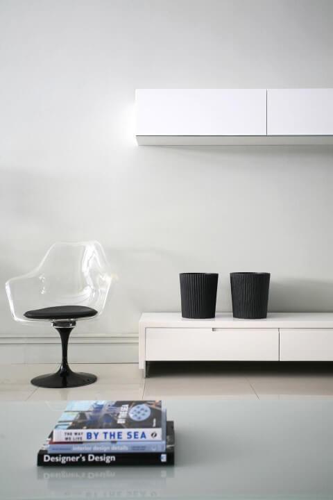 Modelos de poltronas de acrílico Projeto de Francisco Calio