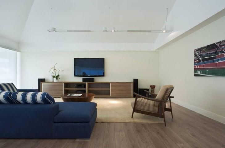 Modelos de sofá de canto azul Projeto de Renata Basques