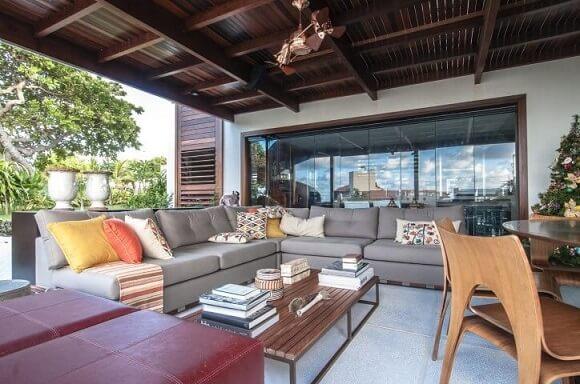 Modelos de sofá de canto marrom Projeto de Renato Teles Arquitetura
