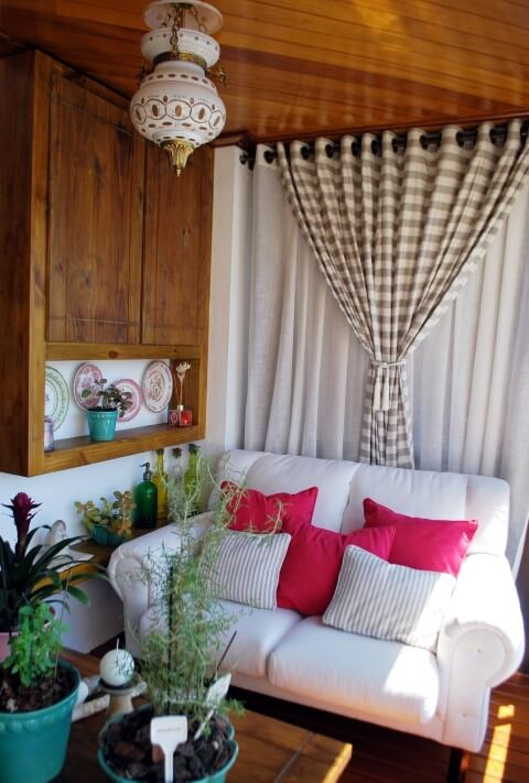 Modelos de sofá tradicional branco Projeto de Ticiana Tonio Lotieppo