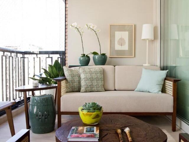 Modelos de sofá tradicional de madeira Projeto de Marilia Veiga