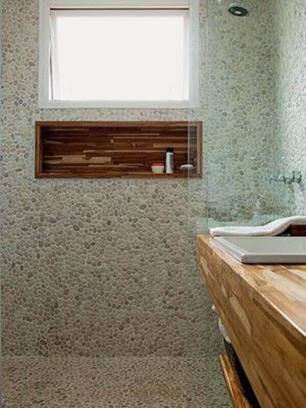 Nicho para banheiro de madeira