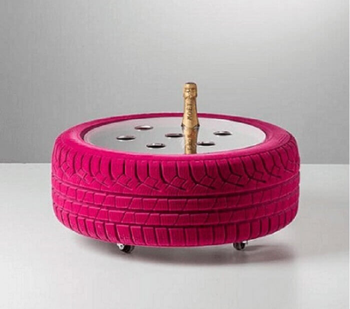 Porta garrafas de artesanato com pneus