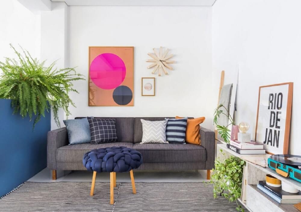 Puff para sala com design trançado encanta a decoração