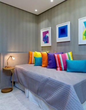 Quarto de solteiro com sofá-cama Projeto de Milla Holtz