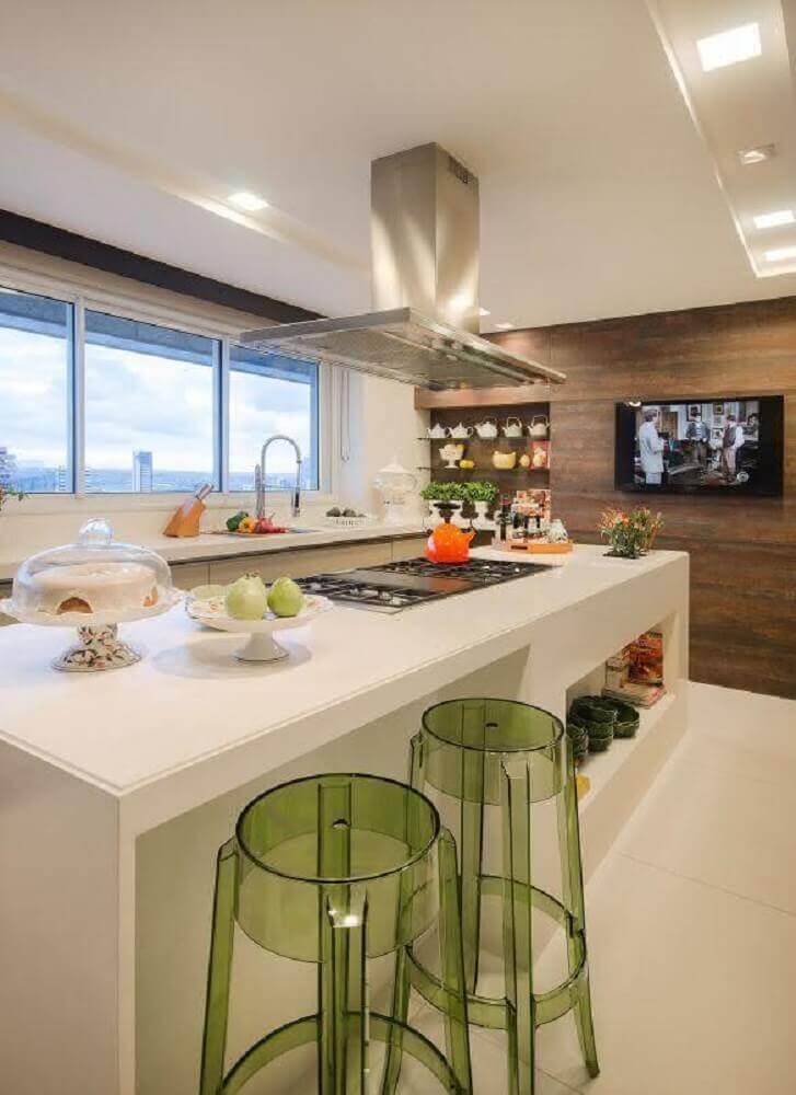 acrílico verde em banqueta alta para cozinha