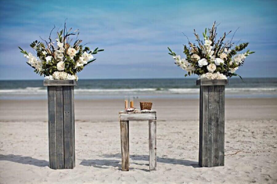 casamento na praia com decoração simples e rústica