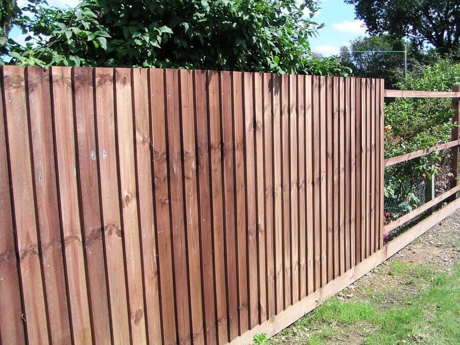 como fazer cerca de madeira grande