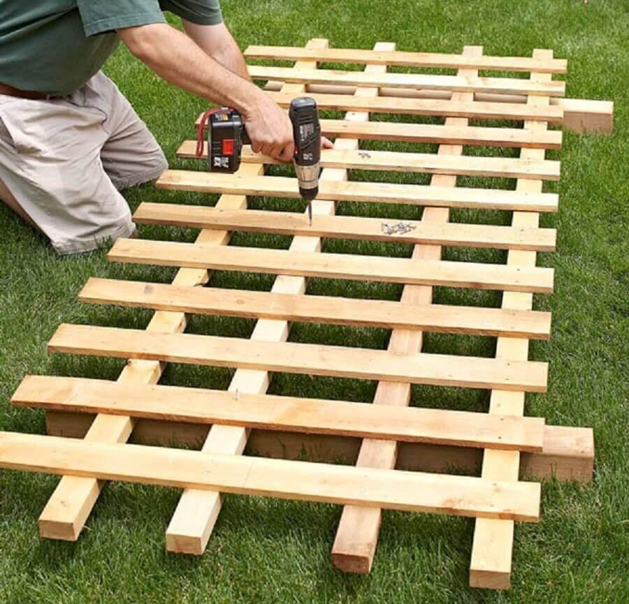 como fazer cerca de madeira