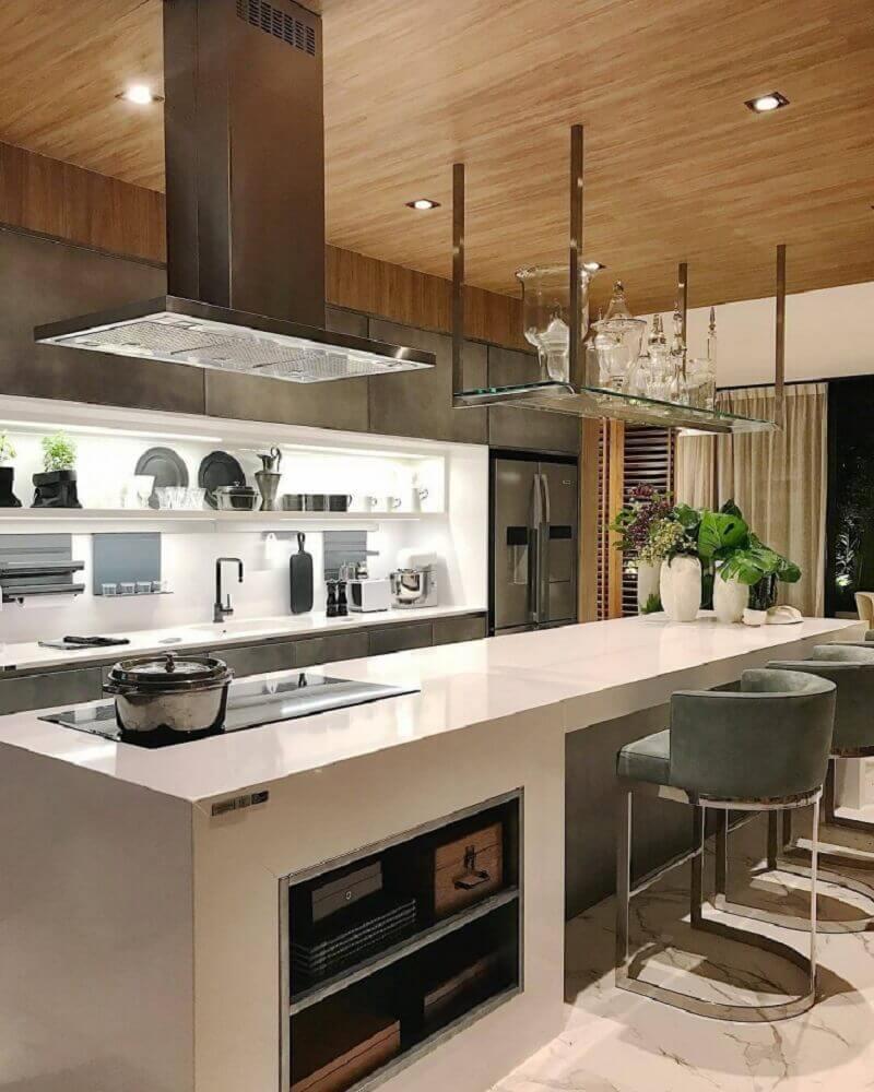 cozinha com bancada de silestone na decoração