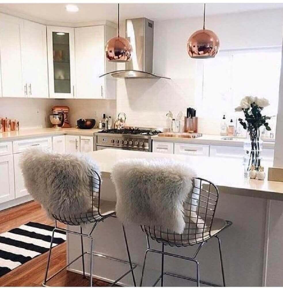 decoração com banquetas para cozinha Foto We Heart It