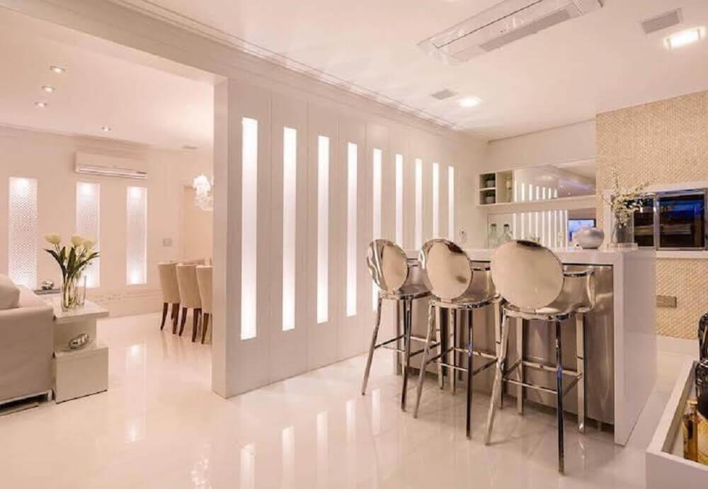 Decora o moderna com banquetas espelhadas para cozinha for Banquetas altas modernas