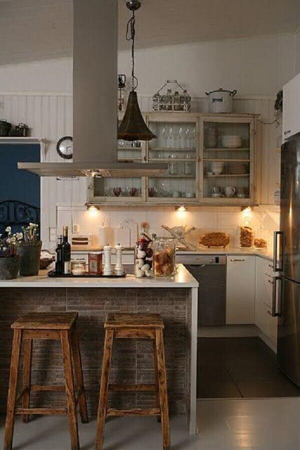 decoração rústica com bancos para cozinha americana
