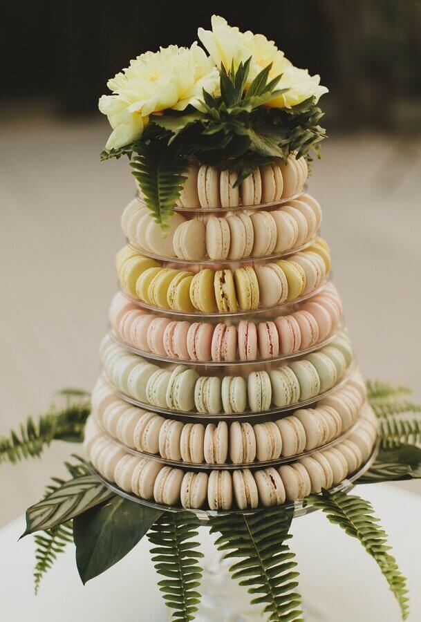 decoração rústica com docinhos para casamento na praia