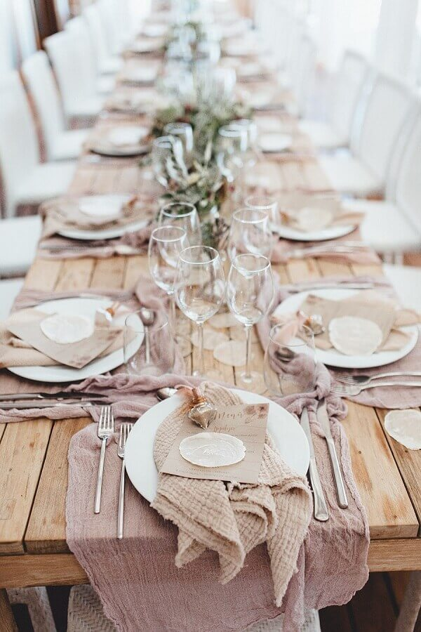 decoração rústica para mesa de casamento na praia Foto Frieda Theres