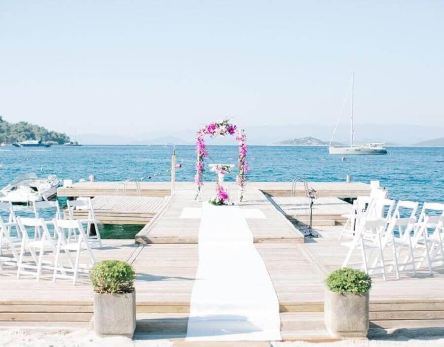 decoração simples para casamento na praia