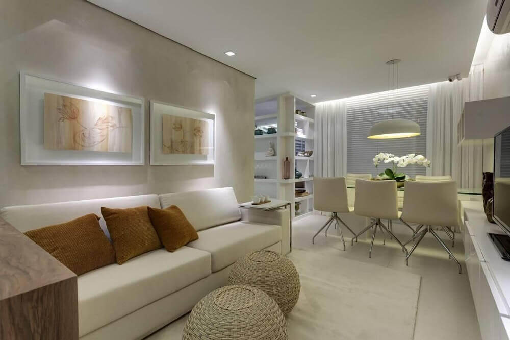 decoração sala de estar com puff redondo de rattan