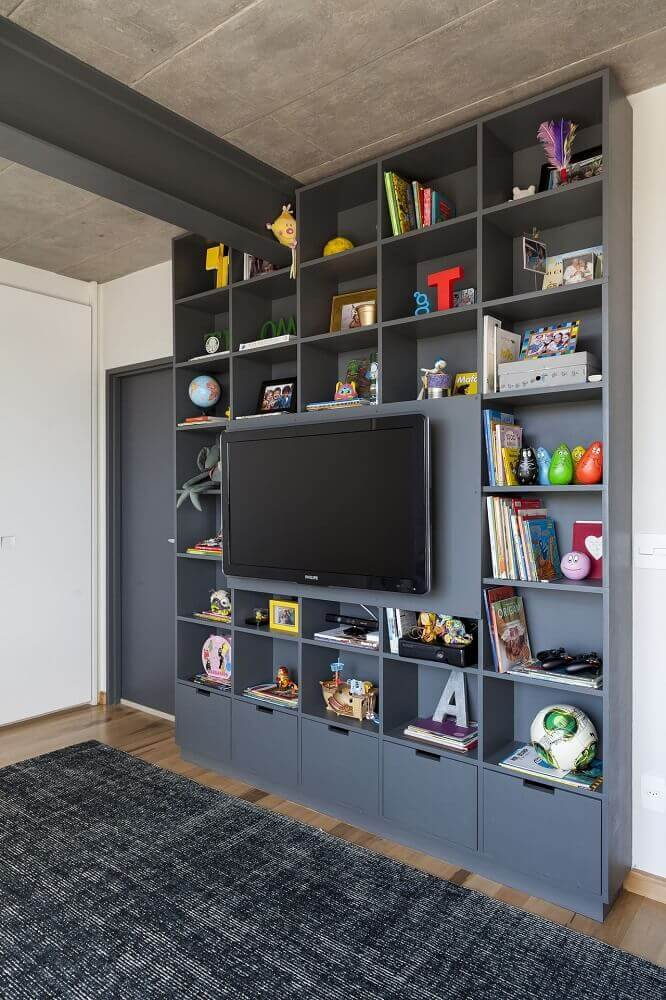 estante de nichos para sala de TV cinza
