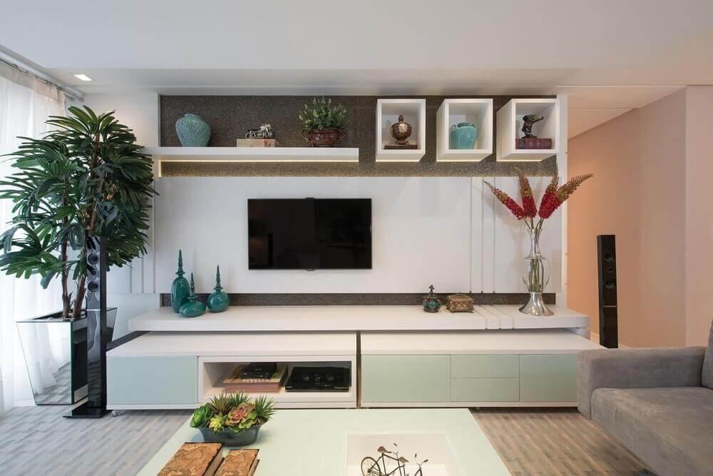 Decoração clean com nichos para sala de estar