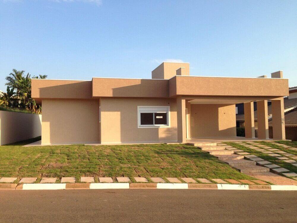 fachada com telhado platibanda