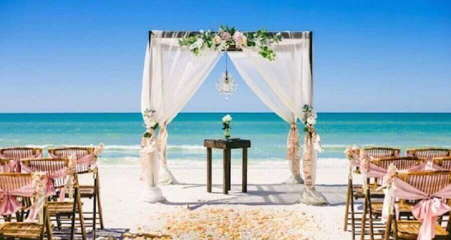 fotos de arranjos para decoração de-casamento na praia Foto Bride2Bride