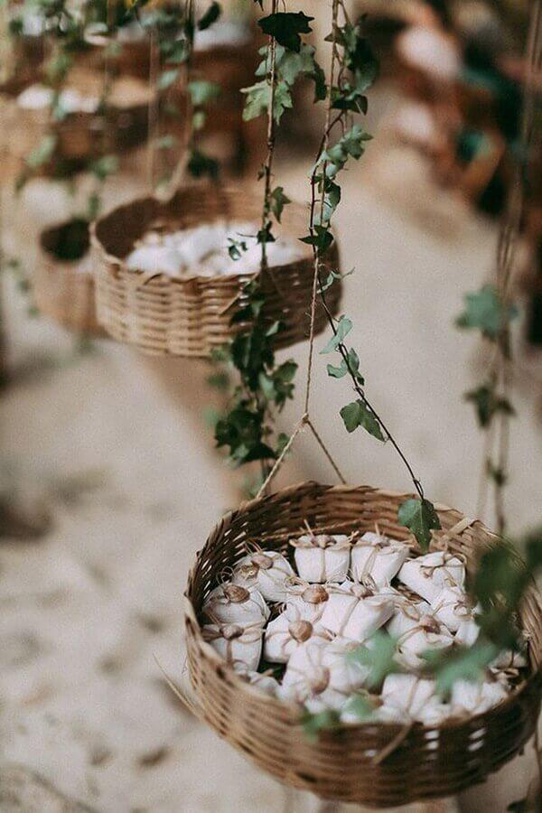 ideia para embalagem rústica de bem casado Foto Portal das Noivas