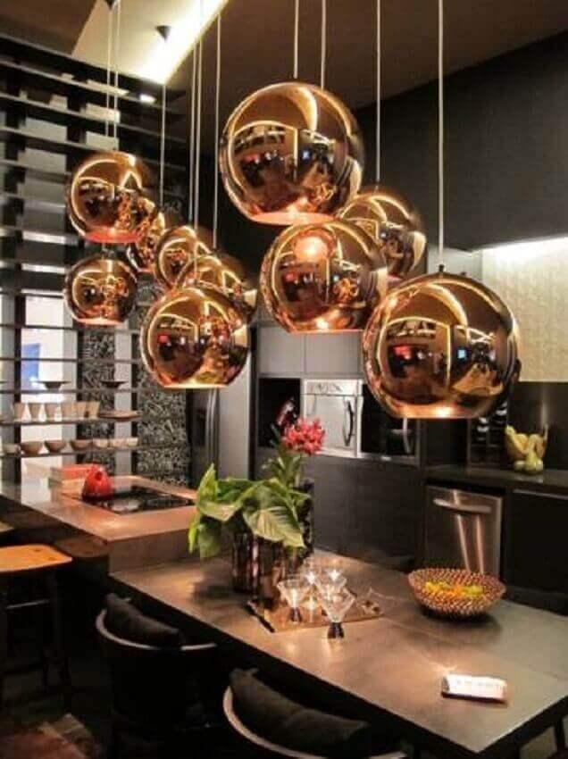 lindos pendentes dourados para cozinha