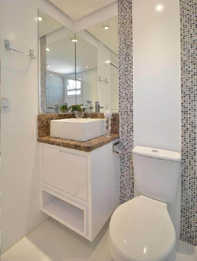 modelo de banheiro pequeno com pastilha