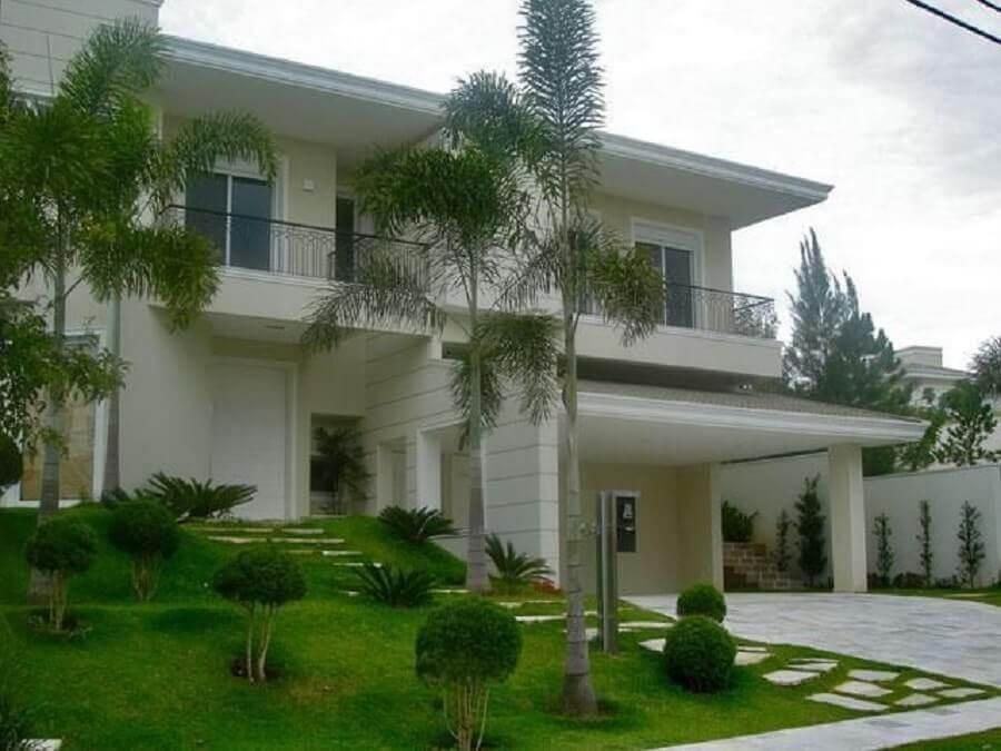 modelo de frente de casas lindas com jardim