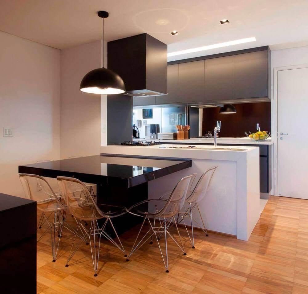 moderna cozinha com coifa de parede