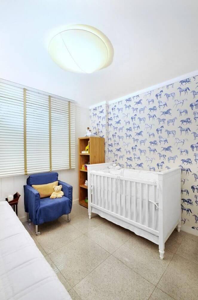 papel de parede infantil para quarto de bebê com estampa de cavalinho