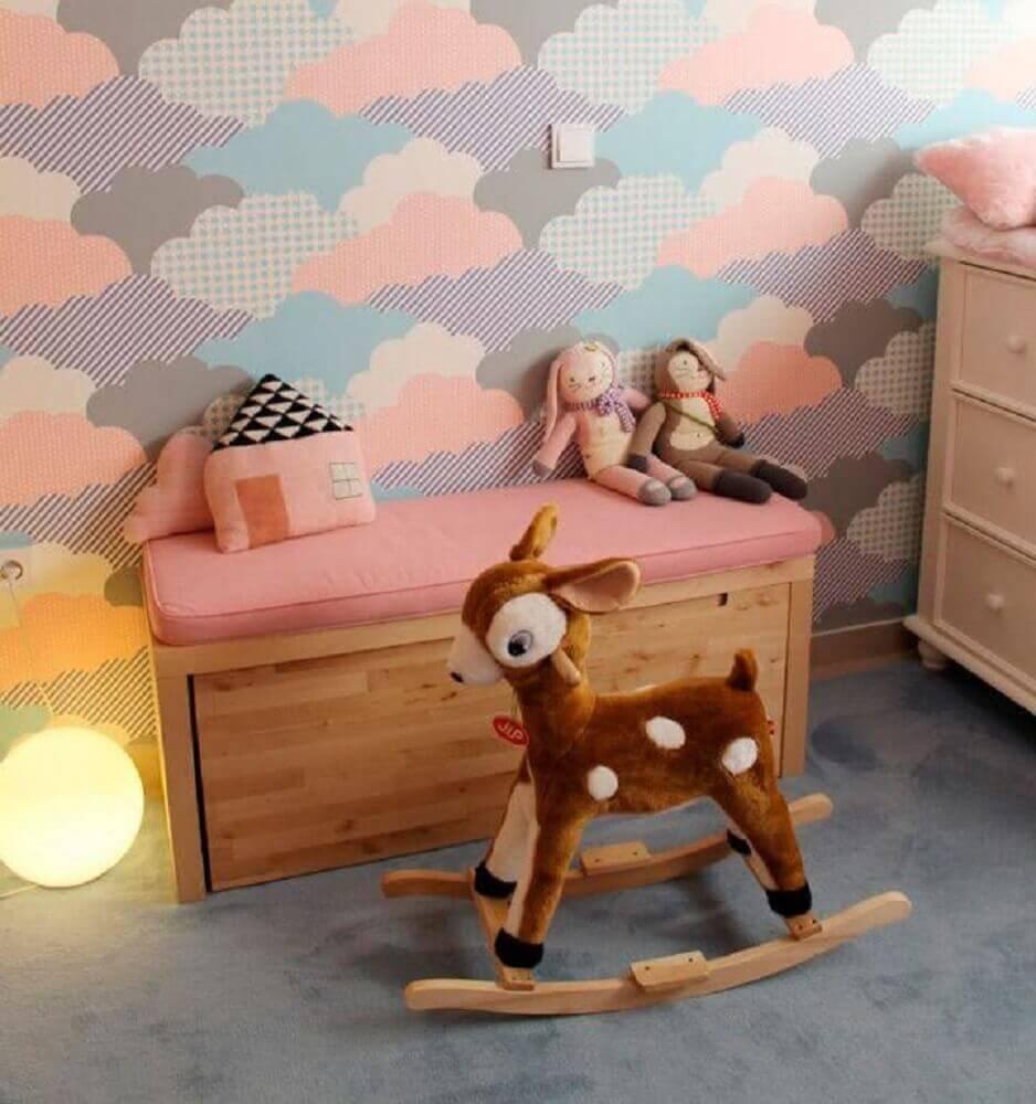 papel de parede para quarto de bebê com estampa de nuvens coloridas