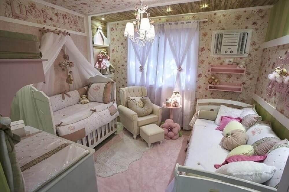 papel de parede para quarto de bebê feminino com estampa floral
