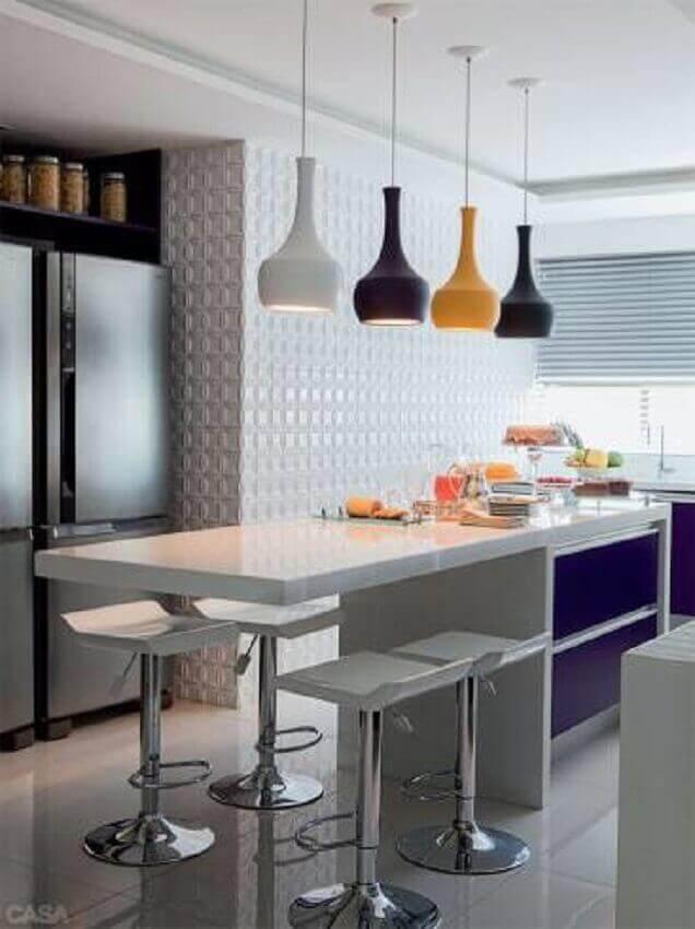 pendentes coloridos para cozinha americana