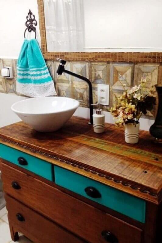 torneira preta para pia de banheiro rústico