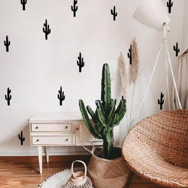 Adesivo para parede de quarto com formato de cacto. Fonte: Pinterest