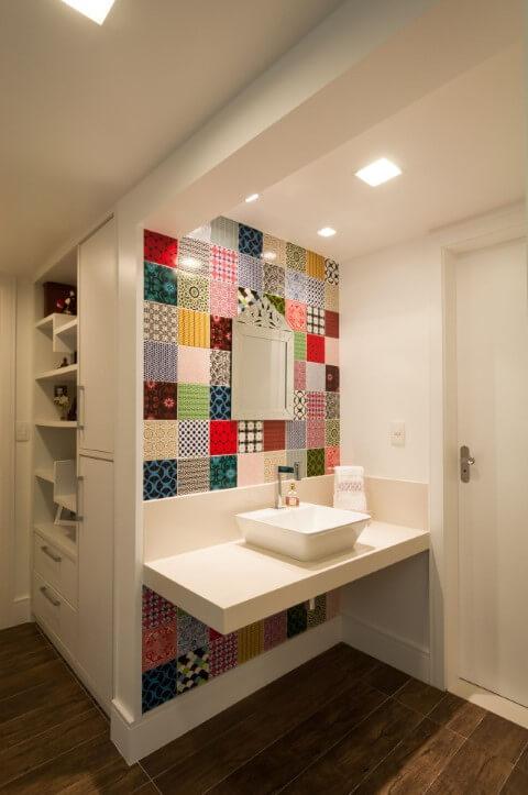 Azulejo para banheiro coloridos Projeto de Bernal Projetos