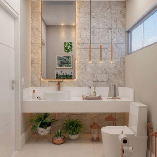 Azulejo para banheiro que imita pedra