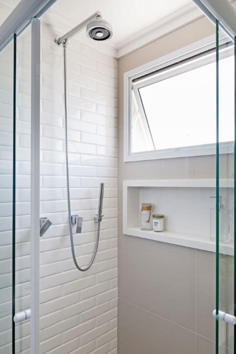 Azulejo para banheiro que imita tijolo Projeto de GF Projetos