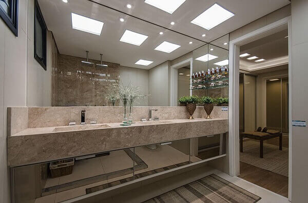 Bancada de banheiro em marmore rosa