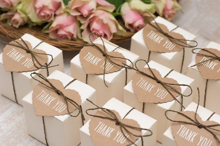 Caixinhas personalizadas para lembrancinhas de casamento