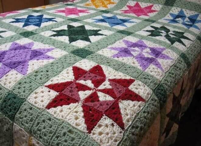 Colcha de crochê com padrão