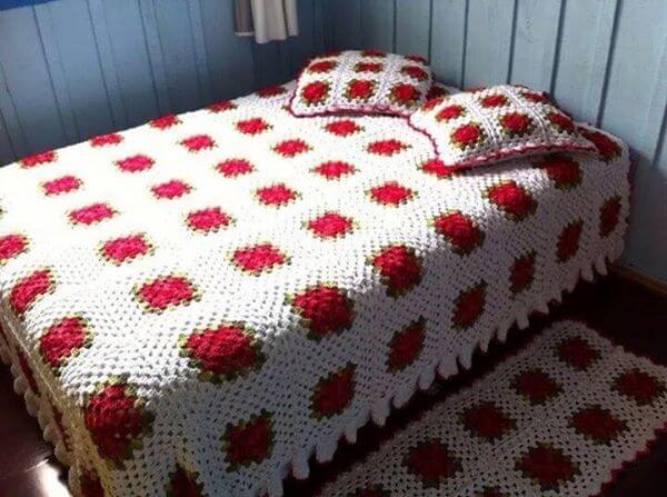 Colcha de crochê com quadrados