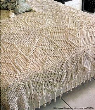 Colcha de crochê com texturas diferentes
