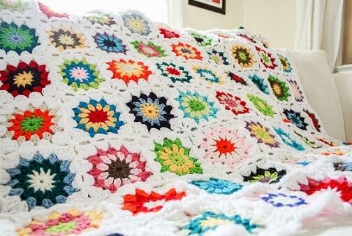 Colcha de crochê de flores