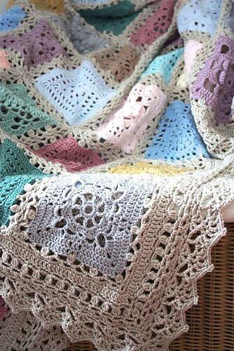 Colcha de crochê em cores pasteis