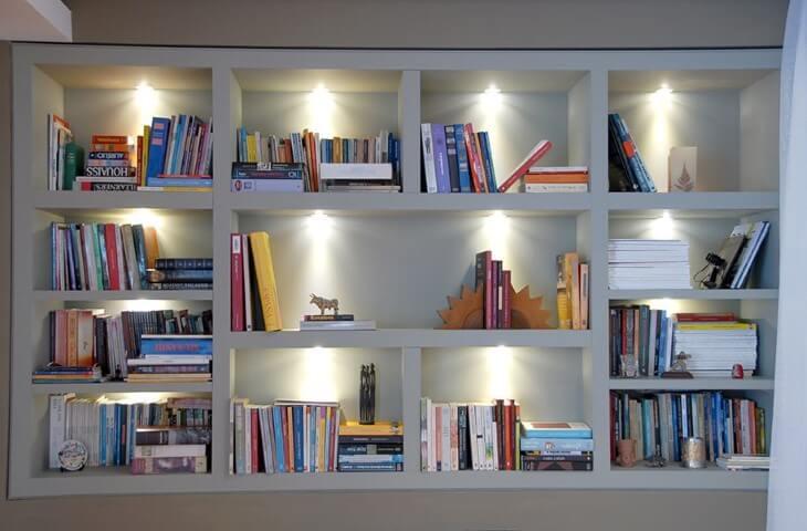 Como fazer nichos com luz interna Projeto de Monica Spada Durante
