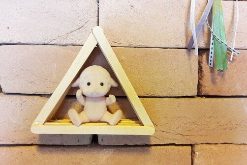 Como fazer nichos triangulares de palitos de picolé