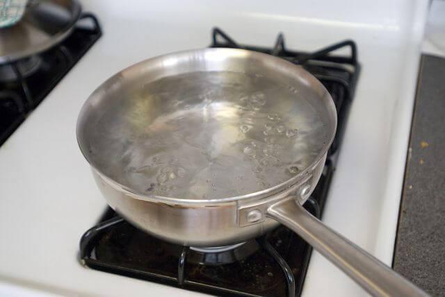 Como limpar prata na panela